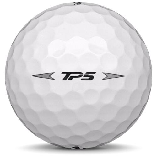 Golfboll av modellen Taylormade TP5 i 2020 års version med vit färg från sidan