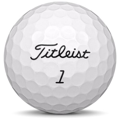 Golfboll av modellen Titleist AVX i 2021 års version med vit färg framifrån