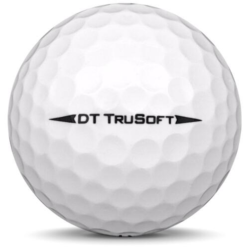 Golfboll av modellen Titleist DT Trusoft i 2019 års version med vit färg från sidan
