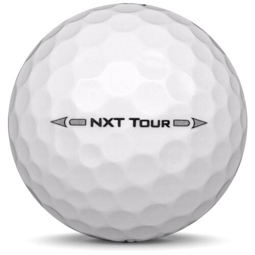 Golfboll av modellen Titleist NXT Tour i 2017 års version med vit färg från sidan