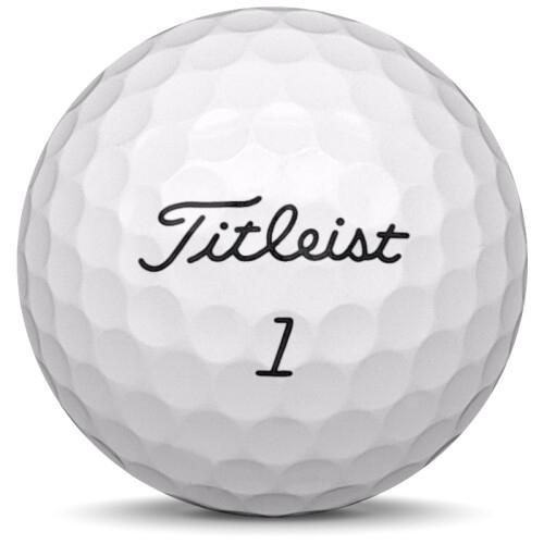 Golfboll av modellen Titleist Pro v1 i 2020 års version med vit färg framifrån