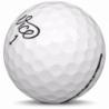 Golfboll av modellen Callaway Hex Chrome+ i vit färg