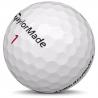 Golfboll av modellen TaylorMade Aeroburner Pro i vit färg