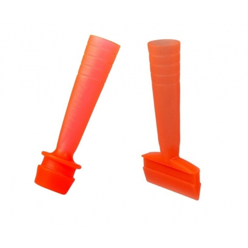 Golfpegg som används på driving rangen i orange färg