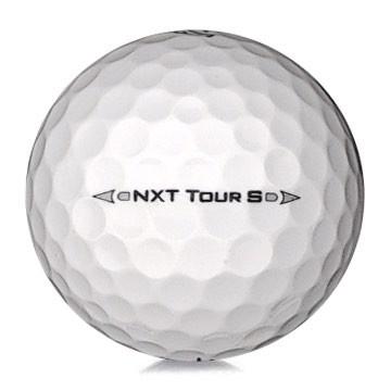 Golfboll av modellen Titleist NXT Tour S i 2017års version med vit färg