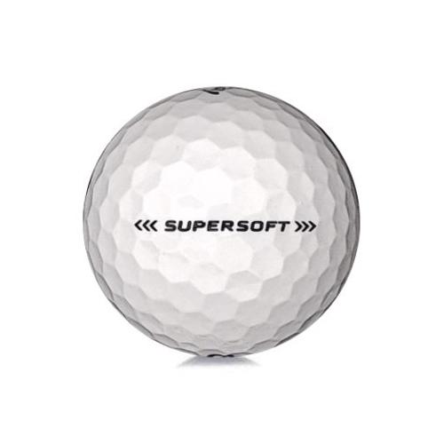 Golfboll av modellen Callaway Supersoft i 2018års version med vit färg
