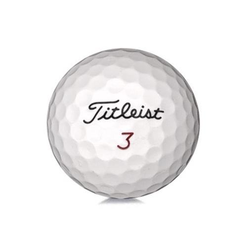 Golfboll av modellen Titleist Mix i vit färg