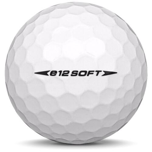Golfboll av modellen Bridgestone E12 Soft i 2020 års version med vit färg från sidan