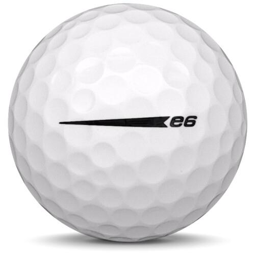 Golfboll av modellen Bridgestone E6 i 2020 års version med vit färg från sidan