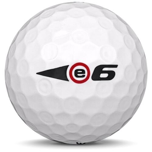 Golfboll av modellen Bridgestone E6 i tidigare års versioner med vit färg från sidan