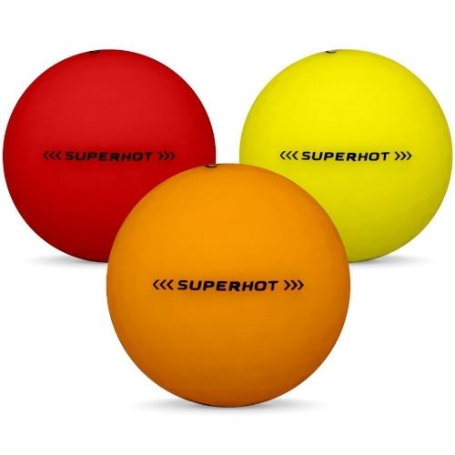 Golfbollar av modellen Callaway Superhot i 2018 års version i blandade färger
