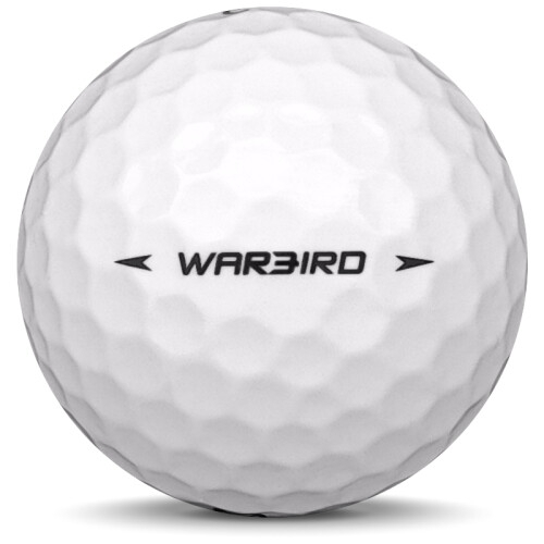 Golfboll av modellen Callaway Warbird i tidigare års versioner med vit färg från sidan