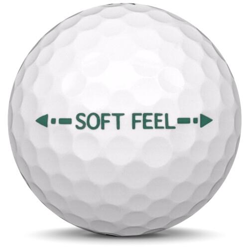 Golfboll av modellen Srixon Soft Feel i tidigare års versioner med vit färg från sidan