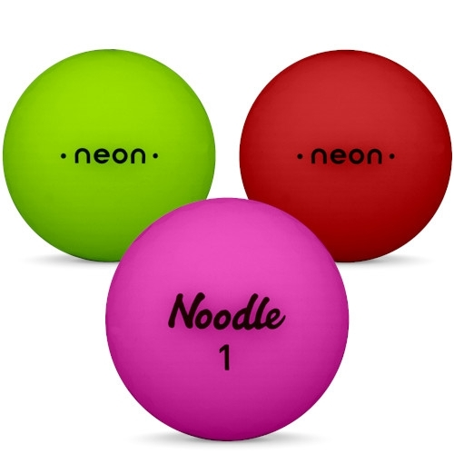 Golfbollar av modellen TaylorMade Noodle Neon i 2019 års version i blandade färger