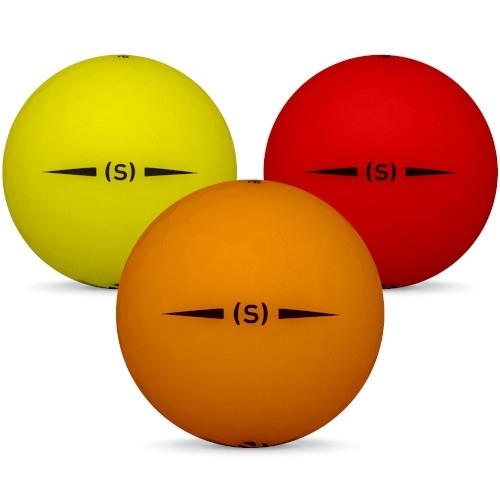 Golfboll av modellen TaylorMade Project (S) i 2019 års version med matt gul orange färg